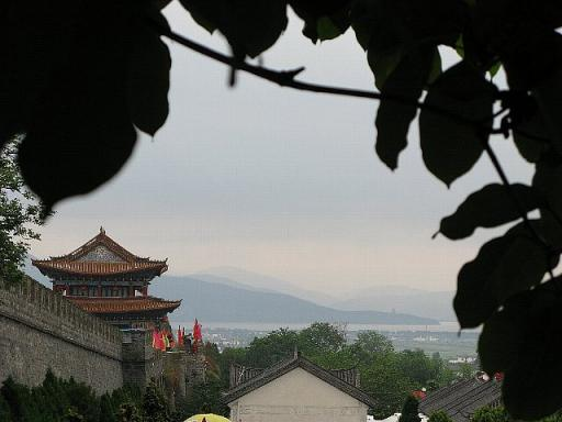 大理 城壁とジ海