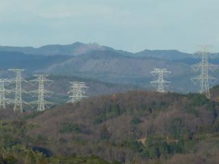 益子の森からの尺丈山(ズーム)