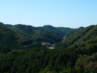 やすらぎの里公園 展望台からの権現山