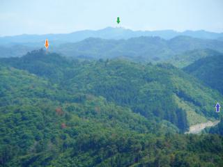 三王山からの権現山(矢印つき)