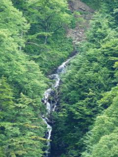 八滝 中段