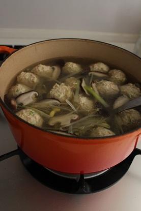 豆もやしと肉団子のスープ鍋