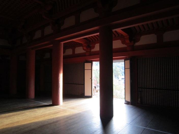 太山寺本堂内部