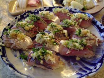 昨日のお昼~最近真鯵が美味しいんです!独りよがりの一応鯵にぎり~wwわ~っ!できてる!2011.11.21