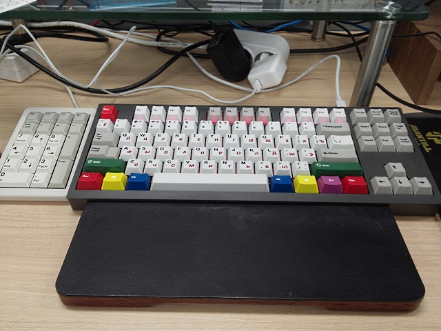 Mechanical_Keyboard_Palmrest2_03.jpg