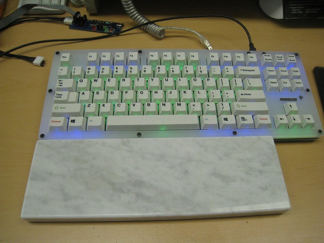 Mechanical_Keyboard_Palmrest2_04.jpg