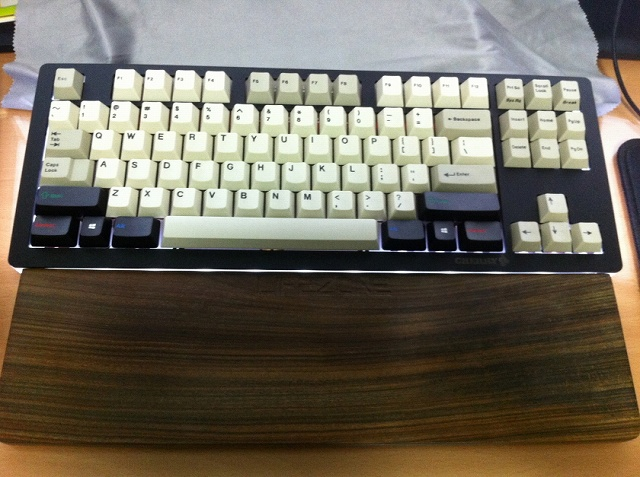 Mechanical_Keyboard_Palmrest2_11.jpg