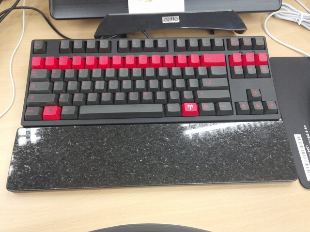 Mechanical_Keyboard_Palmrest2_16.jpg