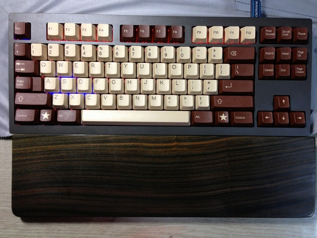 Mechanical_Keyboard_Palmrest2_24.jpg