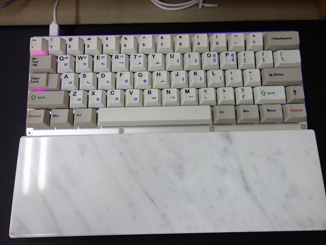Mechanical_Keyboard_Palmrest2_26.jpg