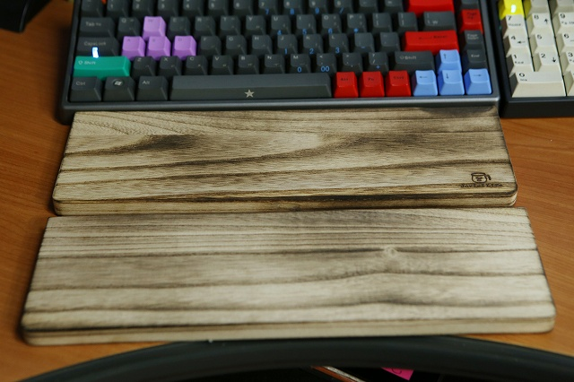 Mechanical_Keyboard_Palmrest2_53.jpg