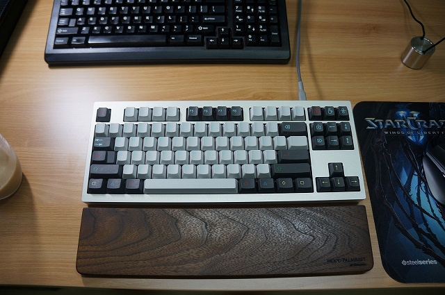 Mechanical_Keyboard_Palmrest2_57.jpg