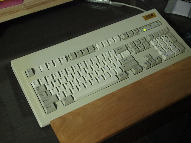 Mechanical_Keyboard_Palmrest2_73.jpg