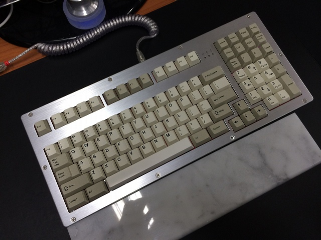 Mechanical_Keyboard_Palmrest2_83.jpg